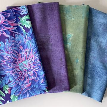 Kaffe Fassett Paket Chrysanthemen hellgrün/hellblau auf lila