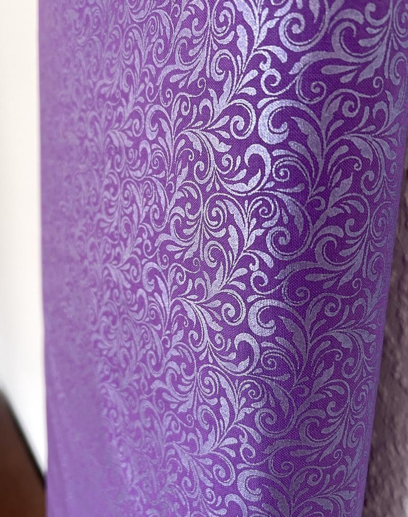 Miss Marguerite - Scroll pearl deep purple